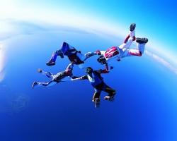 Czym są skoki tendemowe?